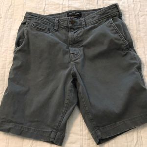 American Eagle Men's shorts and gray